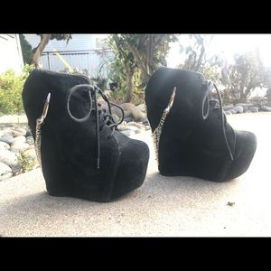 Limited Edition Jeffrey Campbell